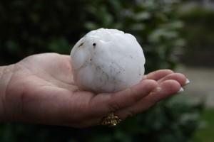 hailstone-on-hand